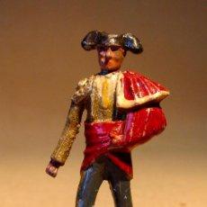 Juguetes Antiguos: TORERO EN PLOMO DE CASANELLAS LEAD SPAIN PASEILLO 54MM. Lote 23213870