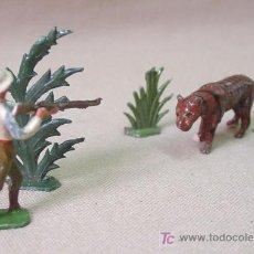 Juguetes Antiguos: ESCENA SAFARI EN PLOMO CASANELLAS CAZADOR TIGRE PLANTAS 1930S. Lote 14158904