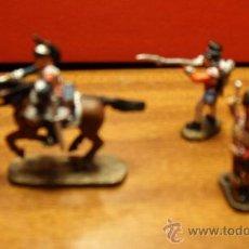 Juguetes Antiguos: SOLDADOS DE PLOMO. PEQUEÑO GRUPO DE FUSILEROS A CABALLO Y A PIE. Lote 18811430