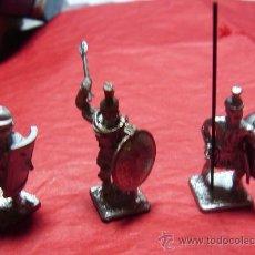 Juguetes Antiguos: LOTE DE 24 SOLDADITOS ROMANOS DE 3 CTMS DE ALTURA.. Lote 22204289