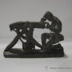 Juguetes Antiguos: SOLDADO DE PLOMO. ANTIGUO.. Lote 23137291