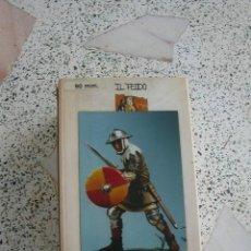 Juguetes Antiguos: FIGURA DE METAL DE LA CASA IL FEUDO. Lote 25763104