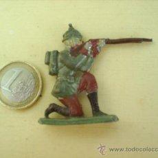 Juguetes Antiguos: ANTIGUO SOLDADITO DE PLOMO , MILITAR DISPARANDO VER FOTOS. Lote 26389723