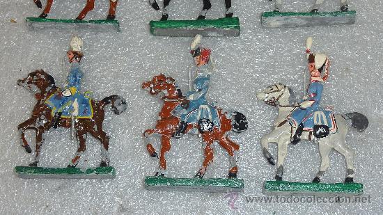 Juguetes Antiguos: lote de 6 jinetes a caballo de plomo. - Foto 2 - 27343171
