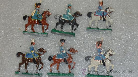 Juguetes Antiguos: lote de 6 jinetes a caballo de plomo. - Foto 4 - 27343171