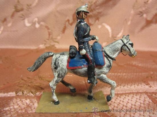 Juguetes Antiguos: Soldadito de plomo, jinete a caballo de la guardia real española / Circa 1910 - Foto 3 - 37125053