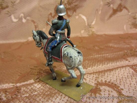 Juguetes Antiguos: Soldadito de plomo, jinete del sequito real español o prusiano - Foto 4 - 37125100