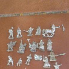 Juguetes Antiguos: ANTIGUO LOTE FIGURAS DE PLOMO 25/30/35MM; SOLDADOS,MONGES,GALOS,CABALLOS.TOTAL;25. Lote 37357683