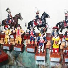 Juguetes Antiguos: GUARDIAS REALES DE ESPAÑA ENTRE 1505 A 1976. LUCIO SAEZ ESCOCER. 15 FIGURAS,COMPLETA.- VELL I BELL.. Lote 40167170