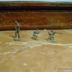 Juguetes Antiguos: 3 ANTIGUOS SOLDADITOS DE PLOMO. Lote 42838109
