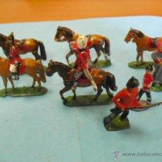 Juguetes Antiguos: 32 FIGURAS DE PLOMO,SOLDADITOS,CABALLOS,. Lote 42900743