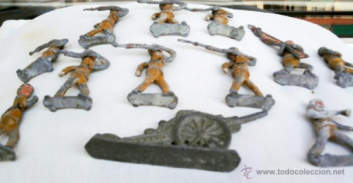 Juguetes Antiguos: 11 ANTIGUOS SOLDADOS DE PLOMO,1 CAÑON,GUERRA CIVIL ESPAÑOLA,CON CASCO TRUBIA,MAUSER,BAYONETA,BANDERA - Foto 5 - 43227332