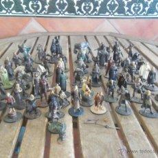 Juguetes Antiguos: 60 FIGURAS DE EL SEÑOR DE LOS ANILLOS EN PLOMO O METAL NLP. Lote 44143437