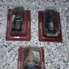 Juguetes Antiguos: LOTE DE 3 BOMBEROS DE PLOMO - SIN ABRIR DE SU CAJA.. Lote 44520367