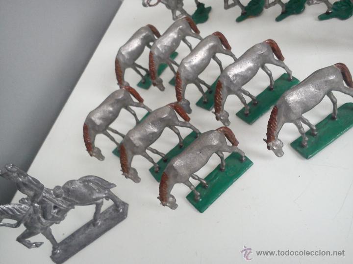Juguetes Antiguos: ANTIGUA COLECION DE 18 FIGUARS DE PLOMBO DOS ANOS 50,60 TIEN 8 CAVALLOS 9 SOLDADOS NO CAVALLO - Foto 7 - 47608781