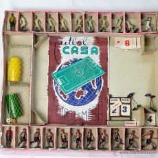 Juguetes Antiguos: CAJA JUEGO FÚTBOL Y JUGADORES ATHLÈTIC Y REAL MADRID CASANELLAS-CAPELL. Lote 50313723