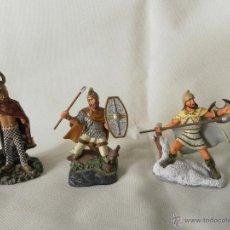 Juguetes Antiguos: LOTE 3 SOLDADOS DE PLOMA MARCA ATLAS. Lote 53714821