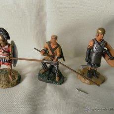 Juguetes Antiguos: LOTE 3 SOLDADOS DE PLOMA MARCA ATLAS. Lote 53714956