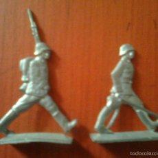 Juguetes Antiguos: LOTE 2 SOLDADOS. ANTIGUOS SOLDADITOS DE PLOMO 4 CMS. Lote 56053369