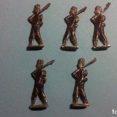 Juguetes Antiguos: LOTE DE 5 SOLDADOS DE PLOMO PLANOS MUY ANTIGUOS. Lote 63019932