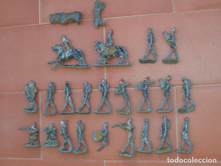 Juguetes Antiguos: Lote de antiquísimos soldados de plomo de 5 ctms..Todos los de la fotografia. - Foto 2 - 66942286
