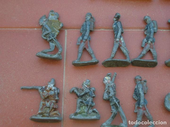 Juguetes Antiguos: Lote de antiquísimos soldados de plomo de 5 ctms..Todos los de la fotografia. - Foto 5 - 66942286