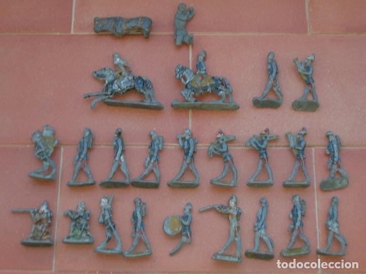 Juguetes Antiguos: Lote de antiquísimos soldados de plomo de 5 ctms..Todos los de la fotografia. - Foto 8 - 66942286