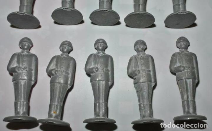 Juguetes Antiguos: Lote 10 soldados de plomo .URSS - Foto 3 - 77156334