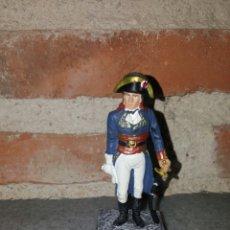 Juguetes Antiguos: NAPOLEÓN EN PLOMO Y PEANA DE MADERA. Lote 69082505