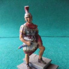 Juguetes Antiguos: ANTIGUA FIGURA DE PLOMO PINTADA 54 MM LEGIONARIO ROMANO. Lote 76521075