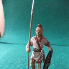 Juguetes Antiguos: ANTIGUA FIGURA DE PLOMO PINTADA 54 MM GUERRERO BRITANO. Lote 76522039