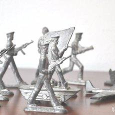 Juguetes Antiguos: LOTE 11 SOLDADOS DE PLOMO .URSS. Lote 77156363