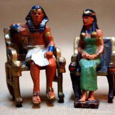 Juguetes Antiguos: 2 FIGURAS DE PLOMO, FARAONES SENTADOS EN SU TRONO. DEL PRADO, 50 MM. Lote 78104461