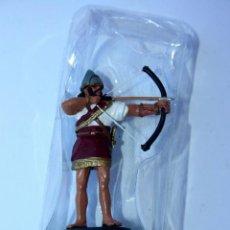 Juguetes Antiguos: FIGURA DE COLECCION - GUERRERO EDAD ANTIGUA - METAL 7 CMS. Lote 85307640