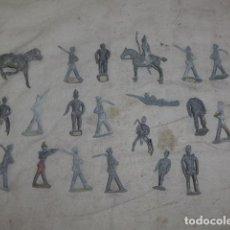 Juguetes Antiguos: LOTE DE 19 ANTIGUOS SOLDADITOS DE PLOMO ESPAÑOLES, VARIEDAD. SOLDADOS.. Lote 101216651