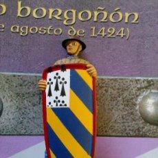 Juguetes Antiguos: SOLDADOS DE PLOMO DE LA EDAD MEDIA - PAVESERO BORGOÑON (SOLDADO + FASCICULO 12 PAGINAS) . Lote 103722231
