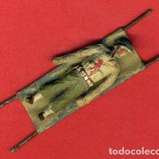 Juguetes Antiguos: ANTIGUO SOLDADO SOLDADITO DE PLOMO , ALYMER, HERIDO EN CAMILLA , ORIGINAL , ALY 33. Lote 107429503