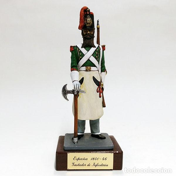 SOLDADO DE PLOMO - 90 MM GASTADOR DE INFANTERIA ESPAÑOL 1840 - FIGURA MINIATURA METAL 90MM (Juguetes - Soldaditos - Soldaditos de plomo)