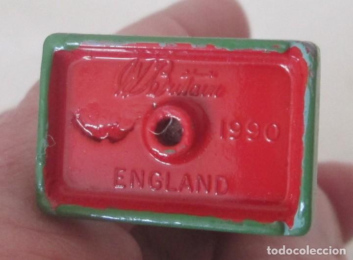 Juguetes Antiguos: Soldado, guardia. WBritain, fabricación inglesa - Foto 6 - 113493055