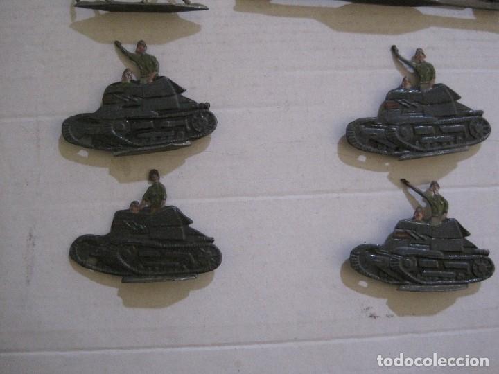 Juguetes Antiguos: GUARDIA MORA FRANCO CON COCHE - SOLDADOS PLOMO PLANOS -VER FOTOS-(V-14.435) - Foto 9 - 120536867