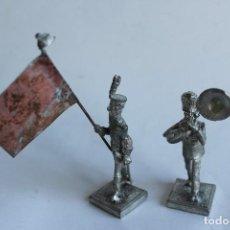 Juguetes Antiguos: DOS FIGURAS SOLDADOS DE PLOMO ALYMER SPAIN. Lote 121054731