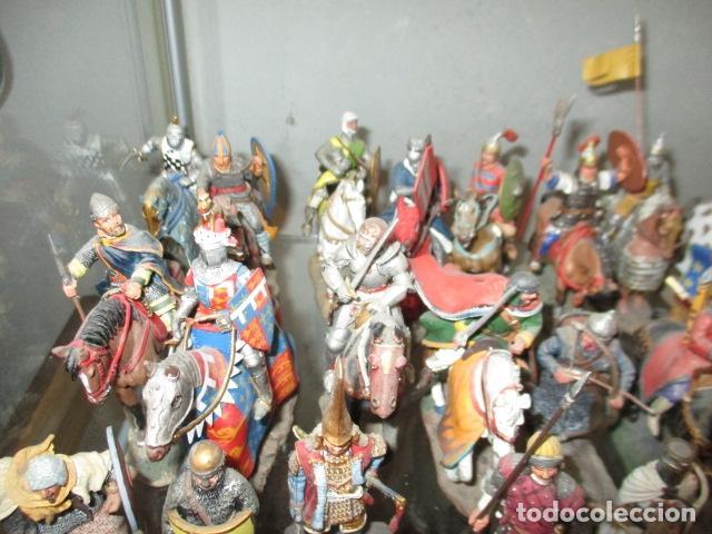 Juguetes Antiguos: Gran lote de de 38 soldados de plomo. 18 caballeros con caballo y 20 guerreros en pie. - Foto 5 - 127560995