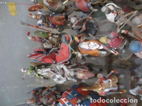 Juguetes Antiguos: Gran lote de de 38 soldados de plomo. 18 caballeros con caballo y 20 guerreros en pie. - Foto 11 - 127560995
