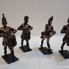 Juguetes Antiguos: SOLDADOS PLOMO, CUATRO.. Lote 129427511