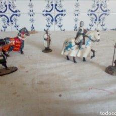Juguetes Antiguos: LOTE DE SEIS FIGURAS SOLDADITOS Y CABALLOS DE PLOMO. Lote 132156269
