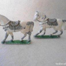 Juguetes Antiguos: PAREJA DE CABALLOS DE PLOMO. Lote 132572422