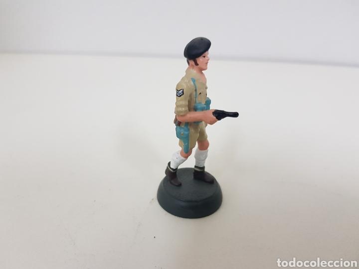 Juguetes Antiguos: Soldado de plomo octavo ejército británico Almirall referencia2 022 - Foto 4 - 133223895