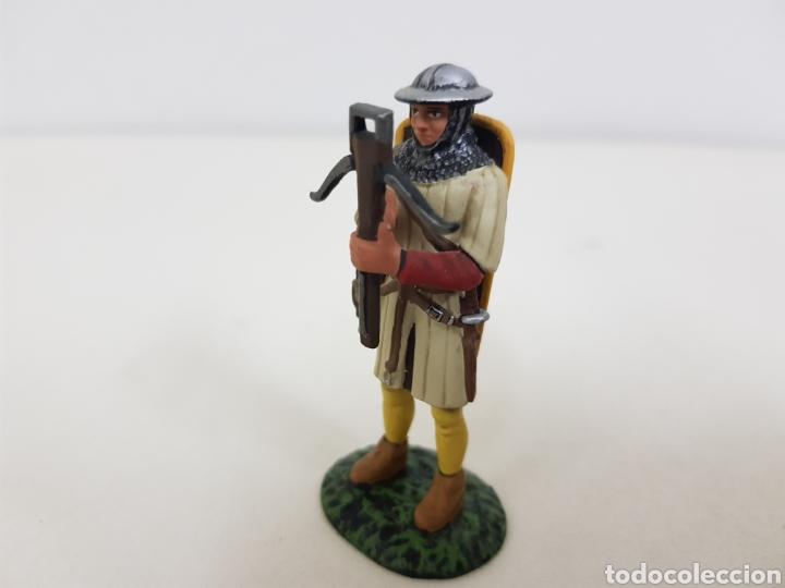 Juguetes Antiguos: Ballestero genovés siglo 14 soldado de plomo - Foto 3 - 134292730