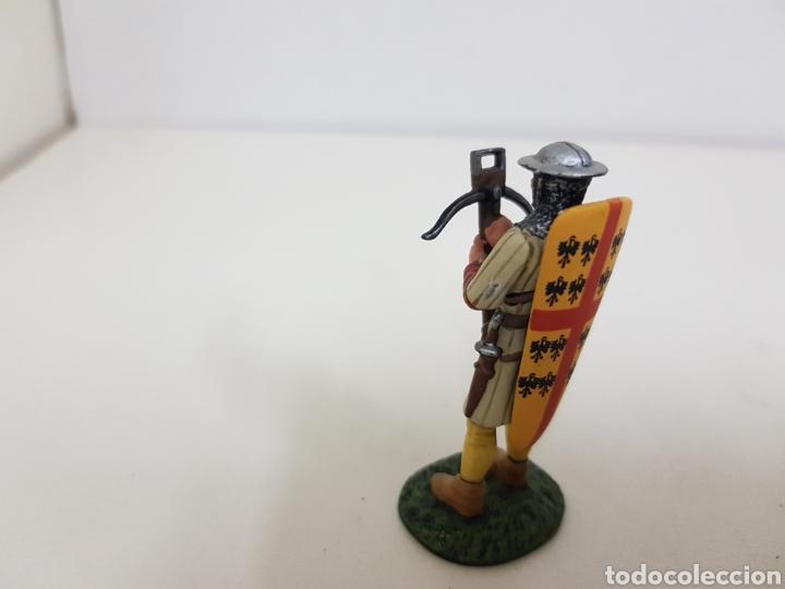 Juguetes Antiguos: Ballestero genovés del siglo 14 soldado de plomo con ballesta y escudo - Foto 3 - 134293214