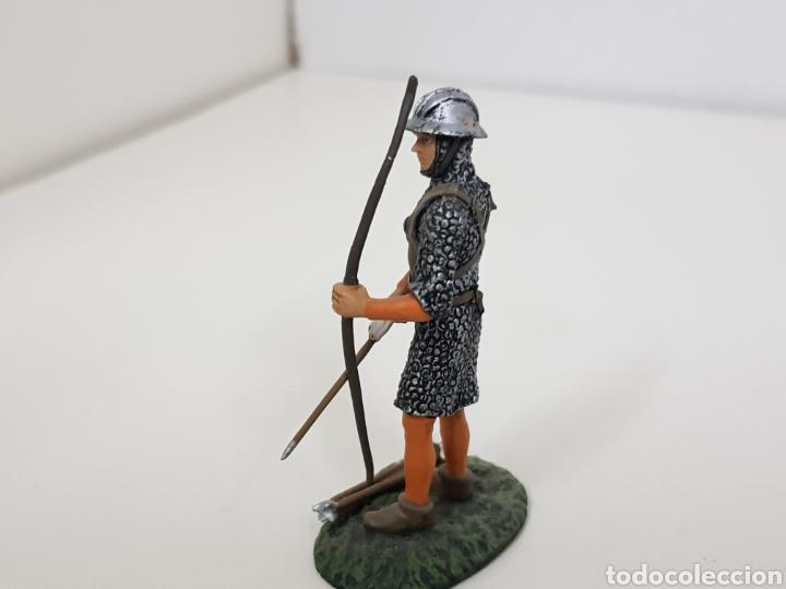Juguetes Antiguos: Soldado de plomo arquero inglés con arco y flechas - Foto 3 - 134295778